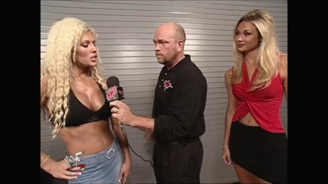 Torrie Wilson backstage Stacy Keibler (Raw 09.07.2001)