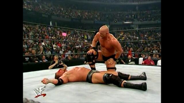 Stone Cold Steve Austin vs Triple H (No Disqualification match WWF Survivor Series 2000)