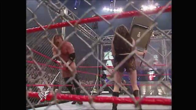 WWF Kurt Angle vs Triple H in a Steel Cage Main Event (Raw 04.03.2002)