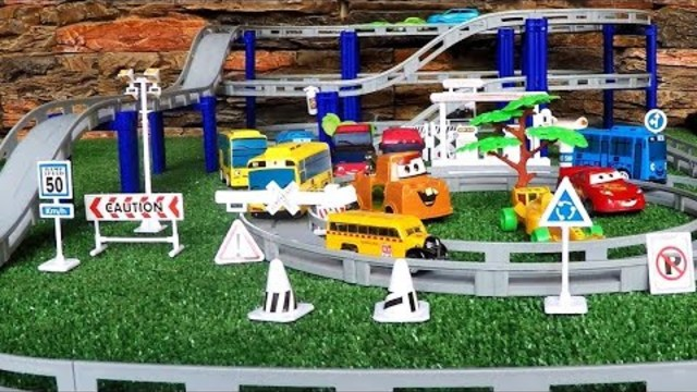 Cars for Children | Car toy videos for Kids | Disney Cars Race Track Learning Kids
