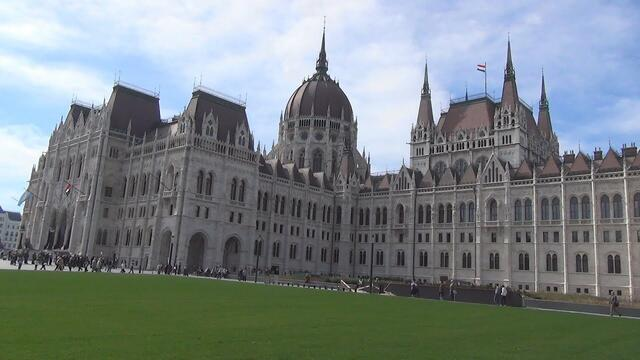 Hungarian Parliament Building (Amazing Walking Tour)